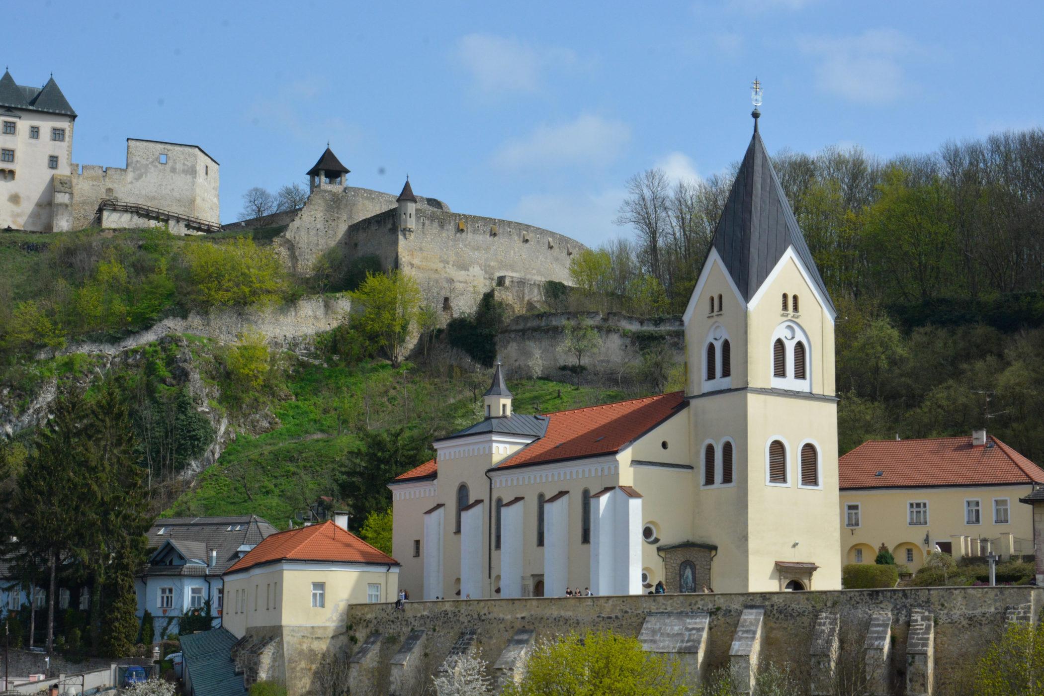 Farský kostol Narodenia Panny Márie