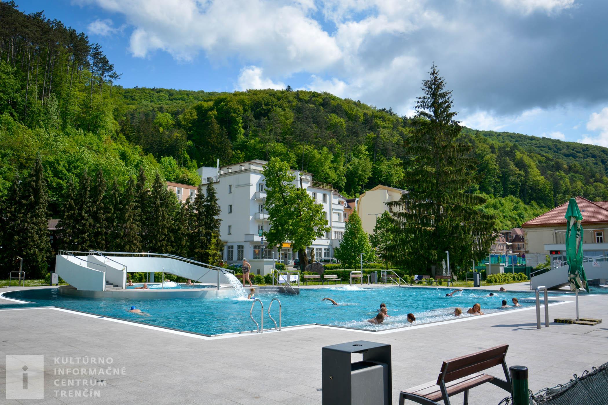 Bazén Grand v Trenčianskych Tepliciach/Swimming pool Grand
