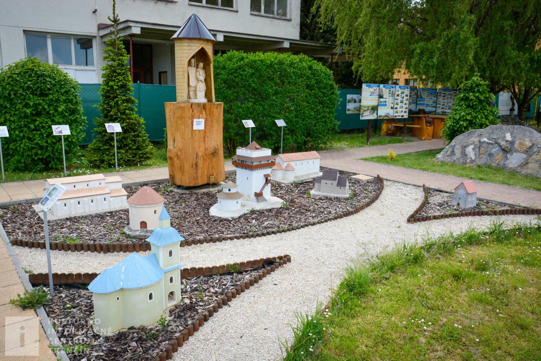 Objekty v Parku miniatúr v Podolí