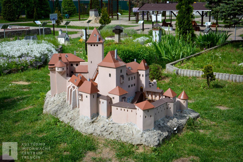 Model hradu Tematín