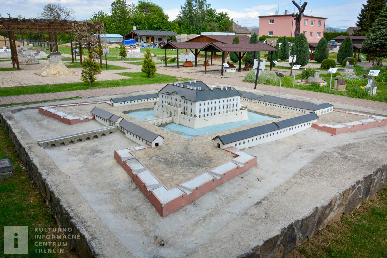 Model Holičského zámku