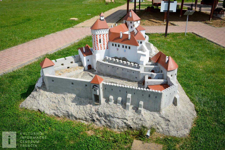 Model Čachtického hradu