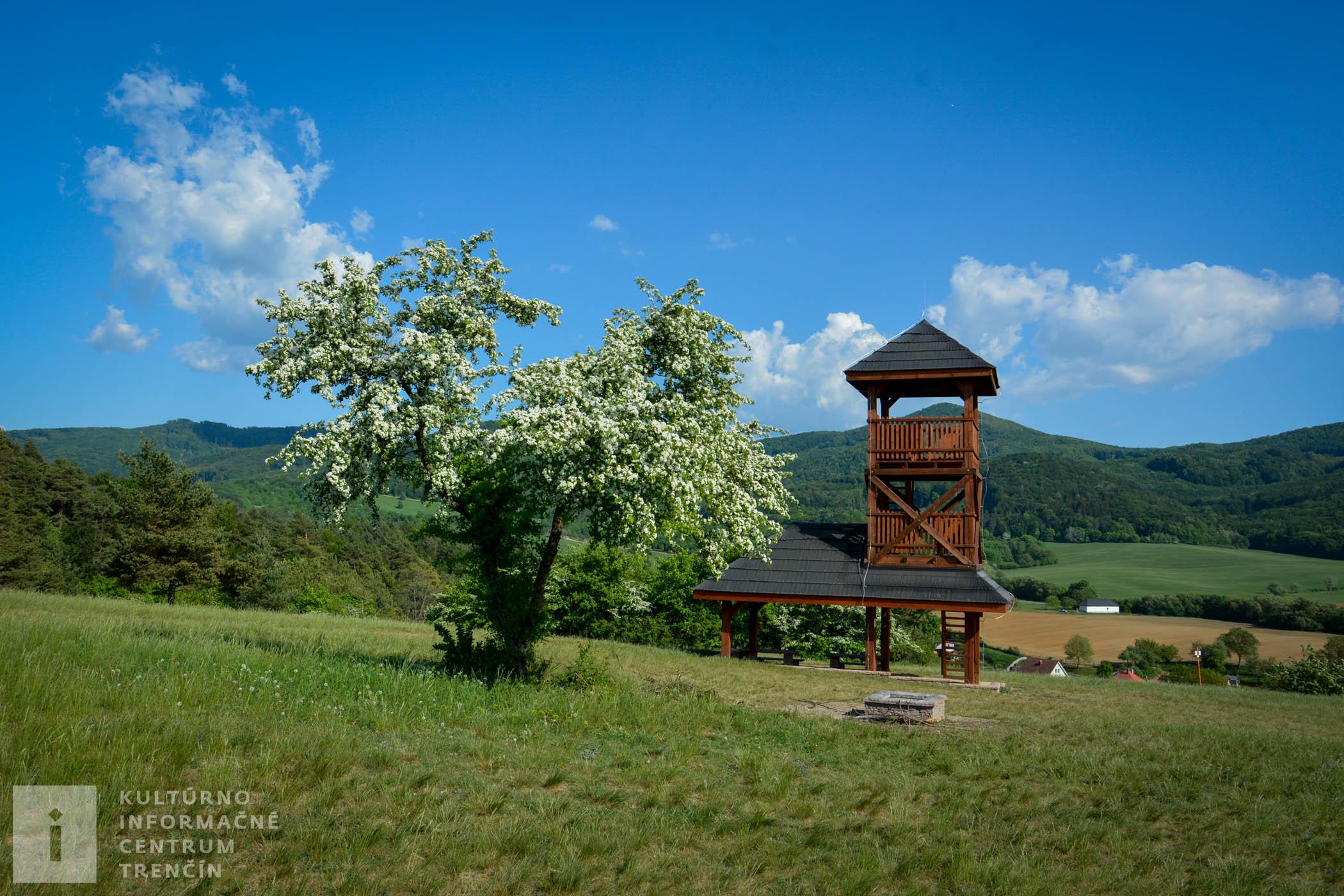 Rozhľadňa Dúbravka/Lookout tower Dúbravka v Soblahove