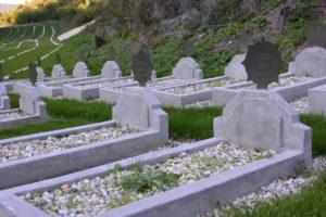 30 hrobov zachovaných v pôvodnom stave.
