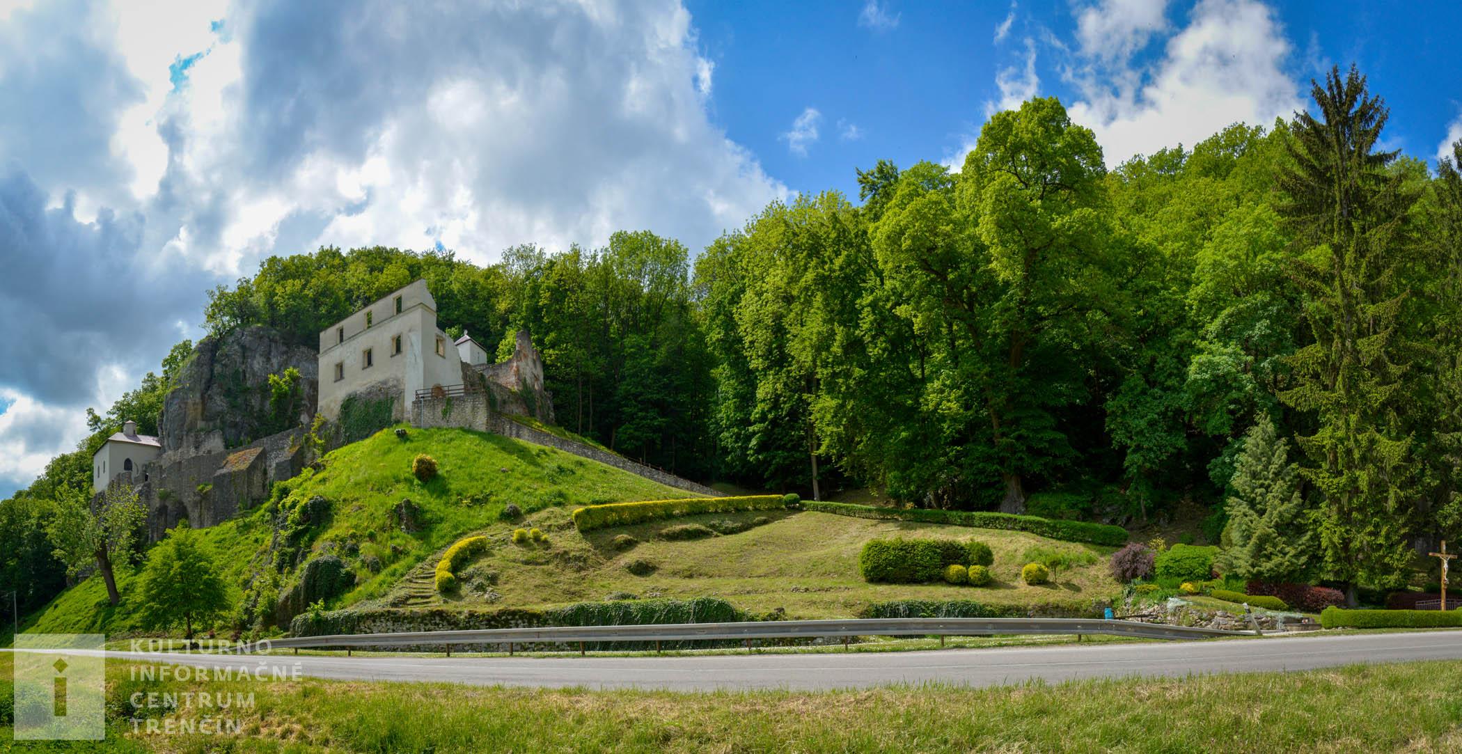 Pohľad na kláštor na Veľkej Skalke