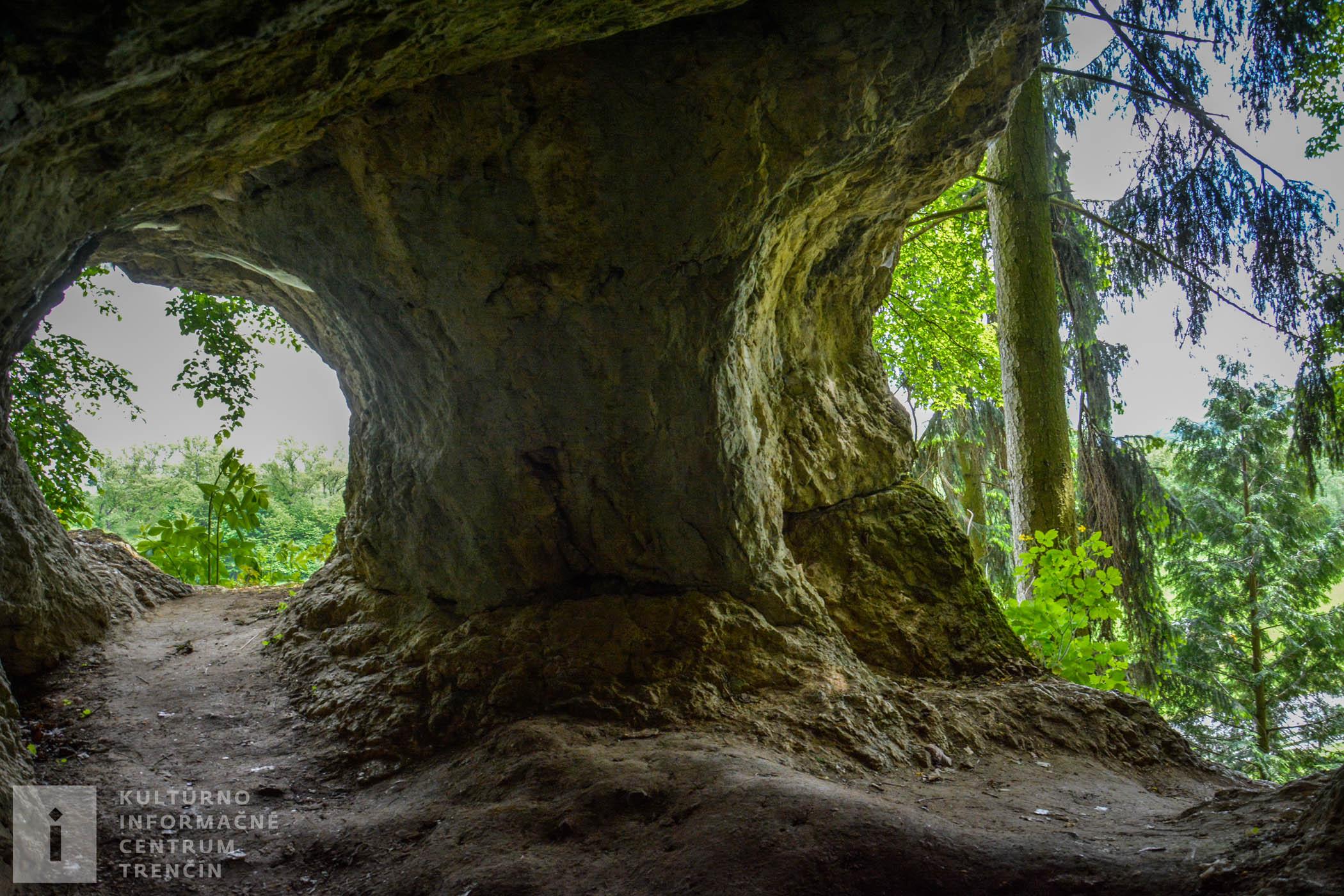 Opatovská jaskyňa / Cave Opatovská