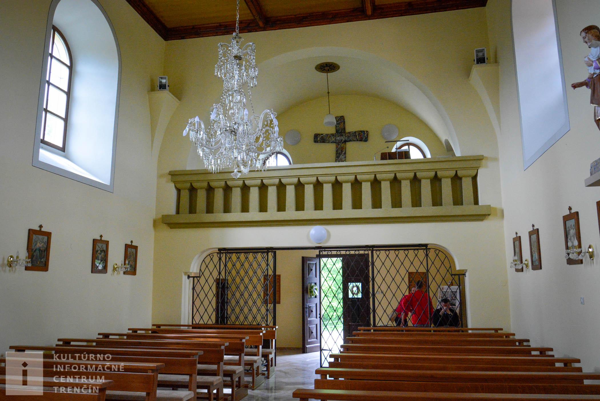 Interiér kostola na Malej Skalke/Interior of Malá Skalka Church
