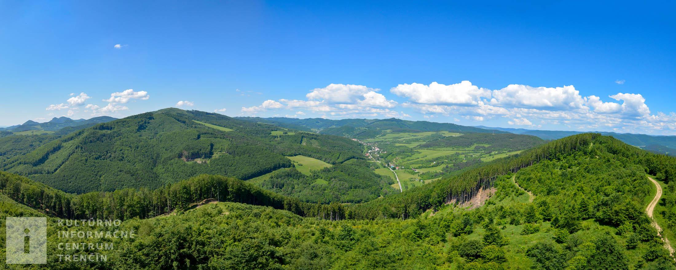 Panoramatický výhľad z rozhľadne