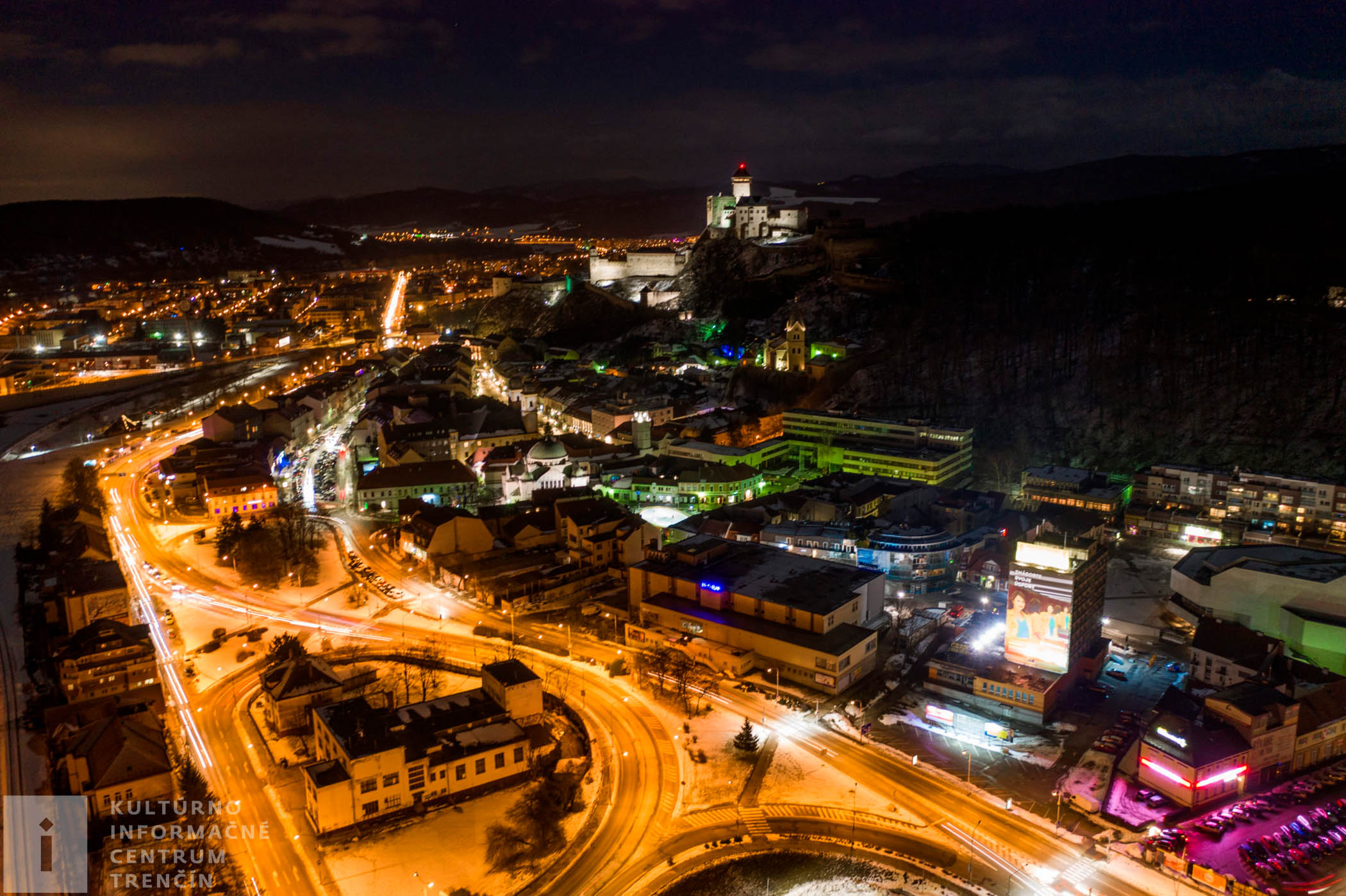 Nočný Trenčiansky hrad