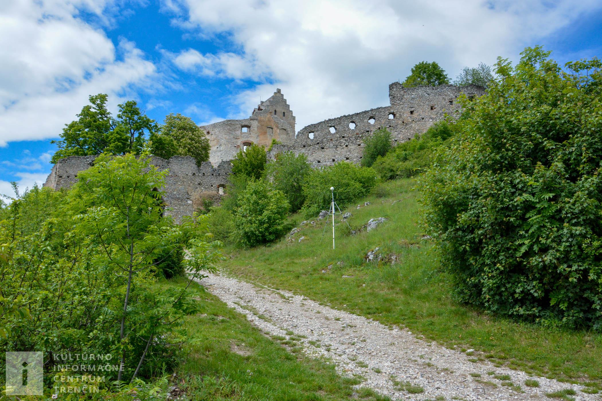 Zrúcanina Topoľčianskeho hradu sa už viac rokov prechádza rekonštrukciou.