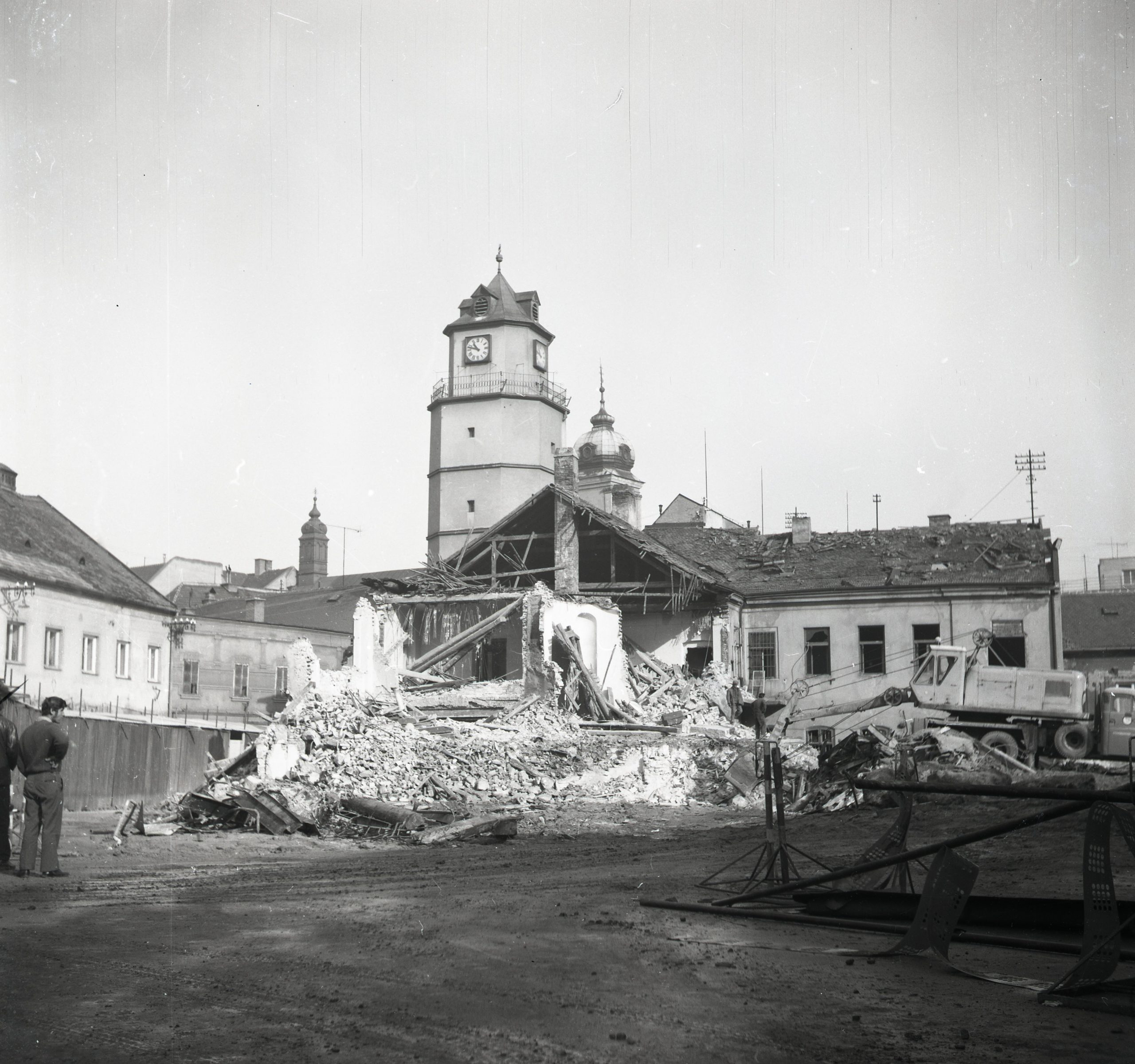 13. View of the demolition of the eastern part of Sládkovičova Street.