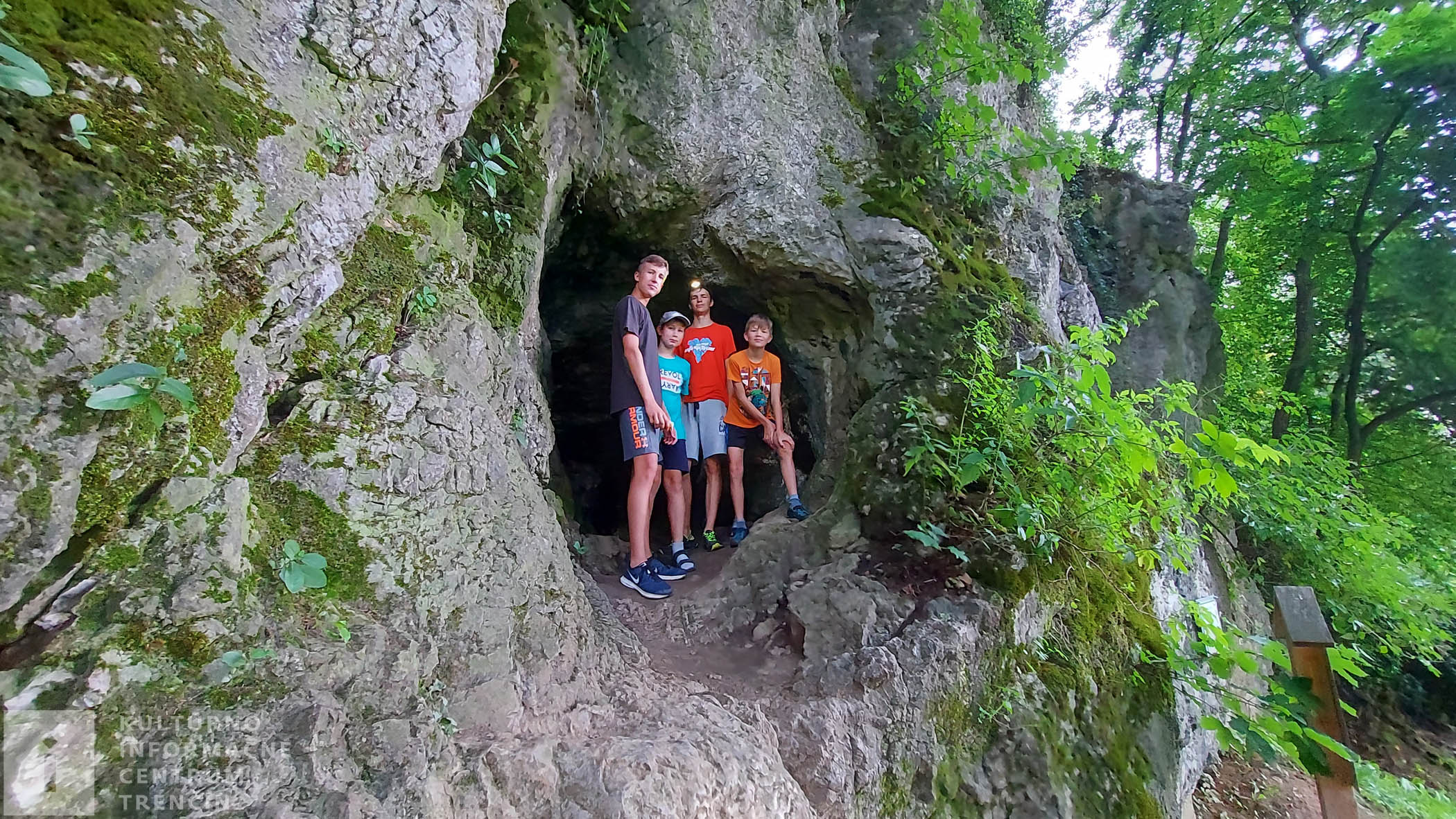 Vstup do jaskyne pre zdatnejších
