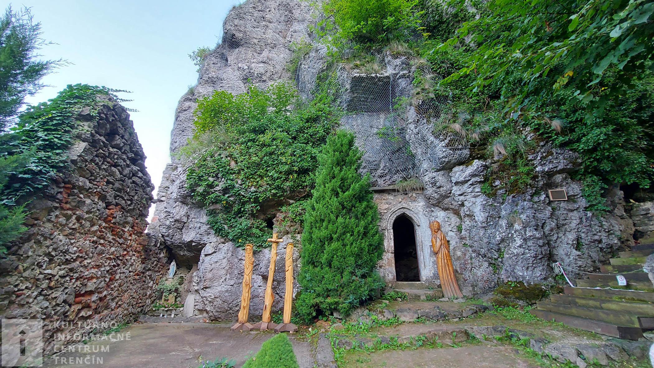 Vstup do kláštora